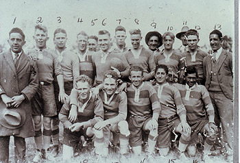 An early Gayndah football team